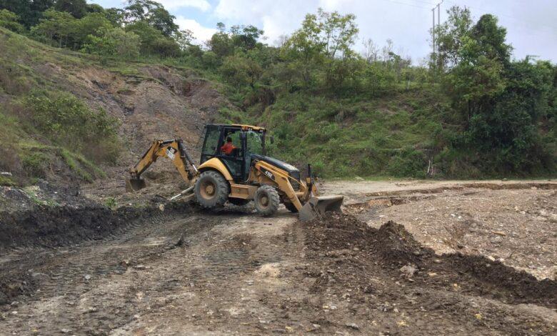 Tras denuncias de la comunidad, Gobernación del Tolima envío maquinaria al municipio de Dolores 1