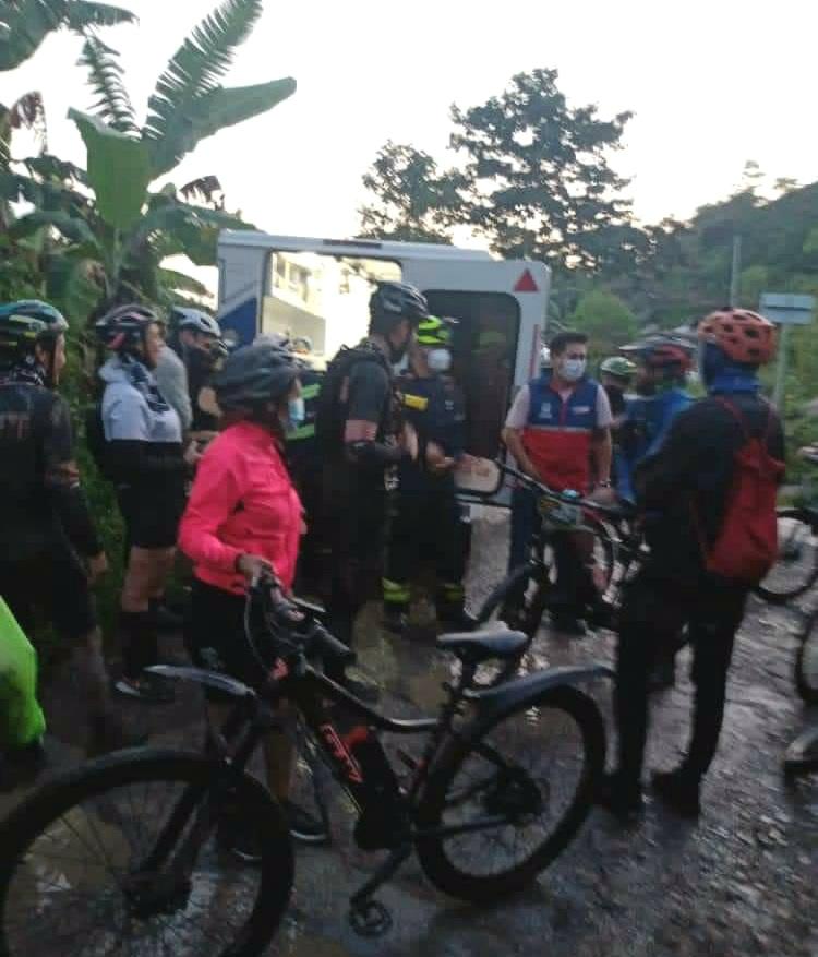 Mas de 50 ciclistas quedaron atrapados por creciente súbita en Cundinamarca 2