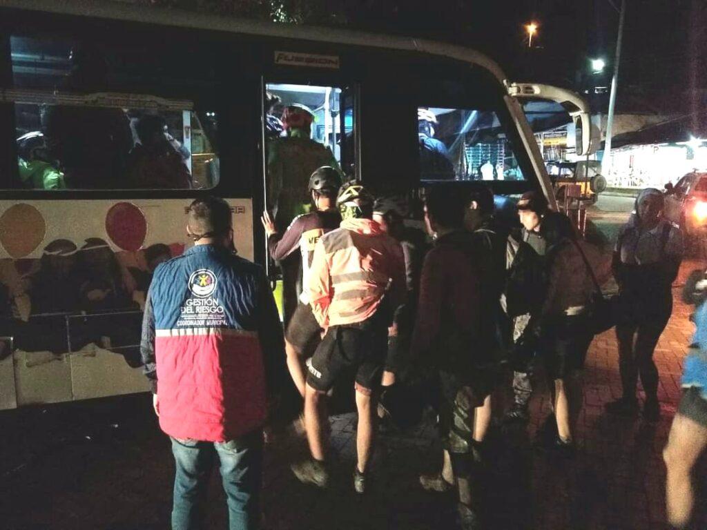 Mas de 50 ciclistas quedaron atrapados por creciente súbita en Cundinamarca 5