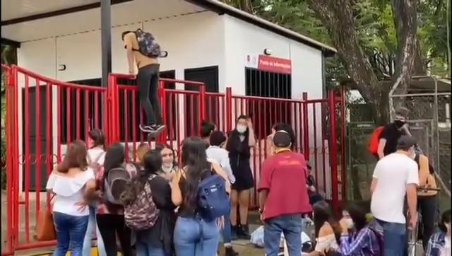 Más de 20 estudiantes intentaron ingresar a la fuerza ala UT 3
