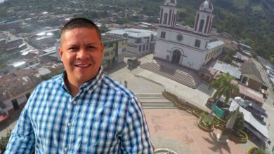 Hacia el hospital de Chaparral trasladan alcalde de San Antonio por Covid-19 17