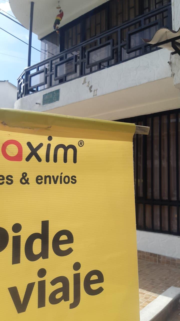 Taxistas de Ibagué protestaron frente a multicentro por promover el transporte ilegal 3