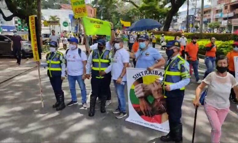 Iniciaron marchas y bloqueos por el día del trabajo en Ibagué 1
