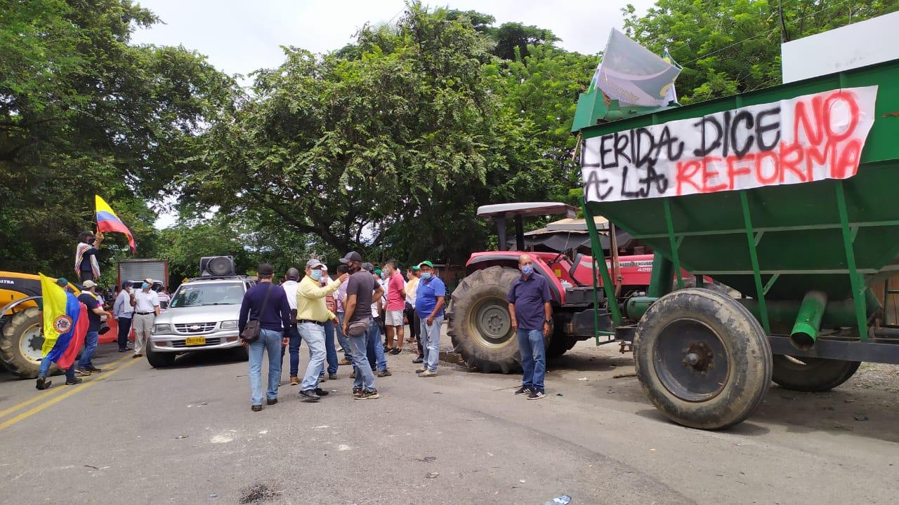 Cierres en vías del Tolima afectan el abastecimiento en varias poblaciones 4