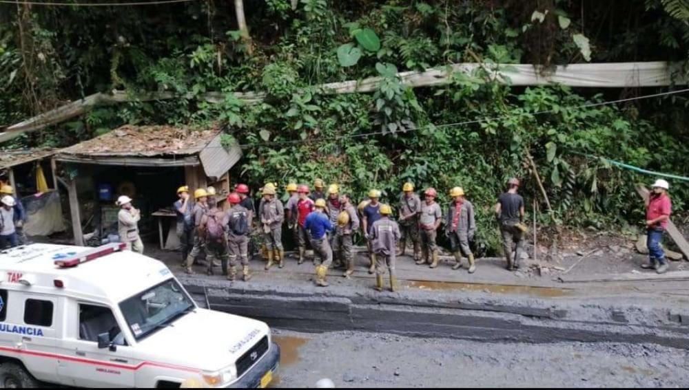 Rescataron 30 hombres atrapados en una mina en el Líbano 2