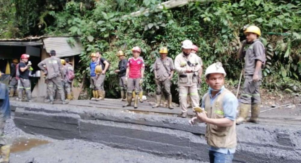 Rescataron 30 hombres atrapados en una mina en el Líbano 1