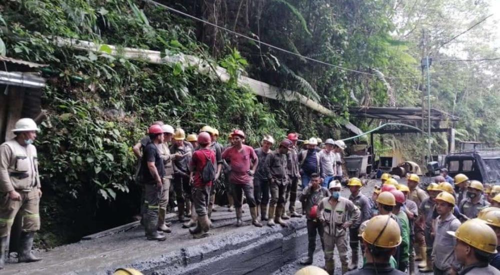 Rescataron 30 hombres atrapados en una mina en el Líbano 3