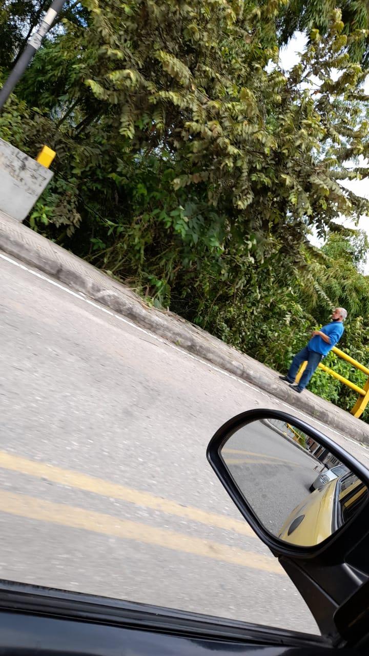 Camioneta se cayó al abismo en el Libertador 4