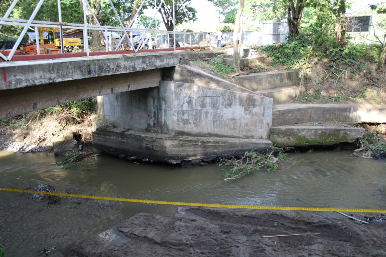 Después de dos años, Granja de Armero tiene puente de acceso 2