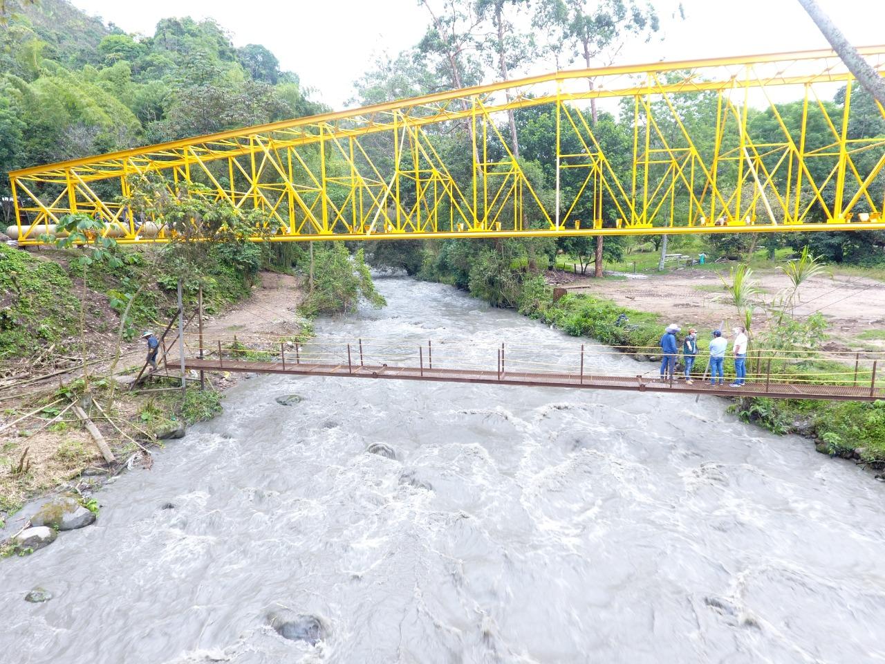 Finalizó instalación del viaducto más importante del Acueducto Complementario 9