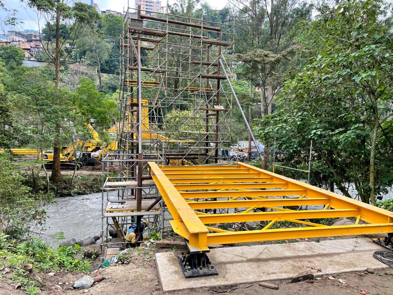 Finalizó instalación del viaducto más importante del Acueducto Complementario 6
