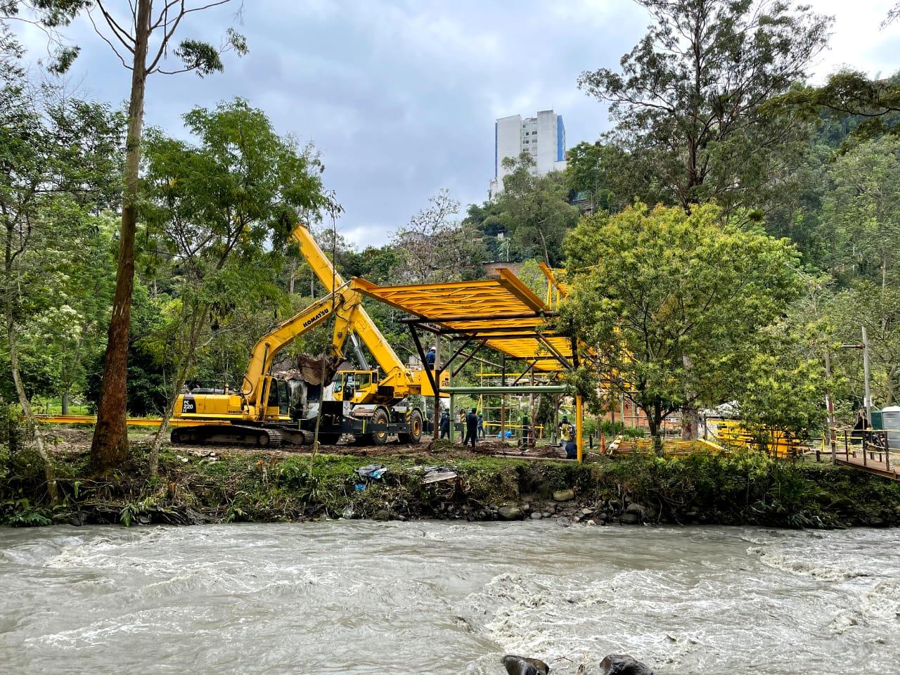 Finalizó instalación del viaducto más importante del Acueducto Complementario 8