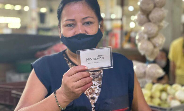 300 comerciantes de la plaza El Jardín, le cumplieron a su salud vacunándose contra el Covid 1