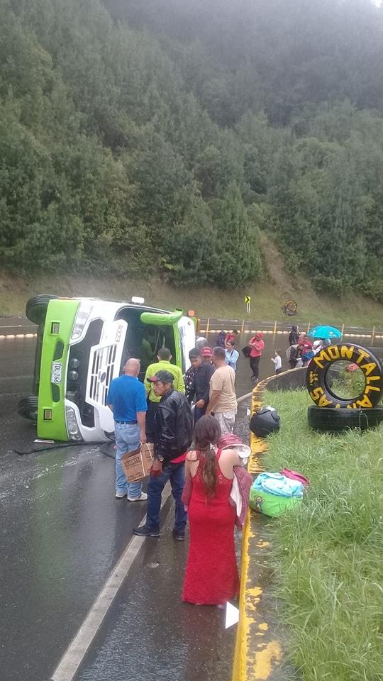 Cero y van dos accidentes del mismo bus de Cootranshuila 4