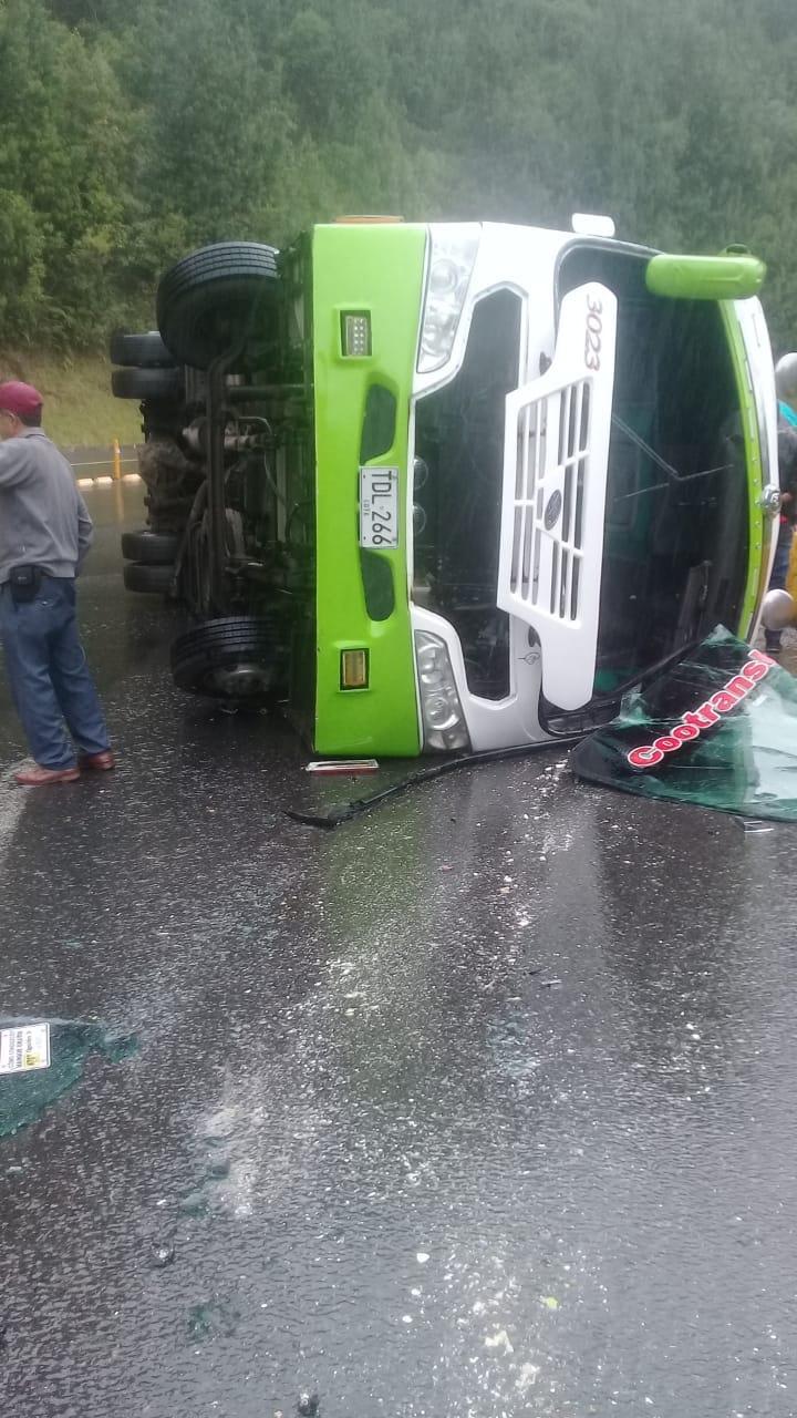 Cero y van dos accidentes del mismo bus de Cootranshuila 5