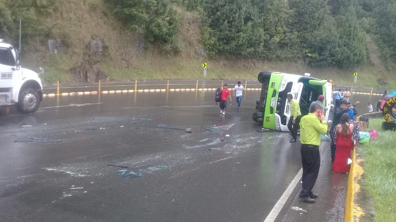 Cero y van dos accidentes del mismo bus de Cootranshuila 6