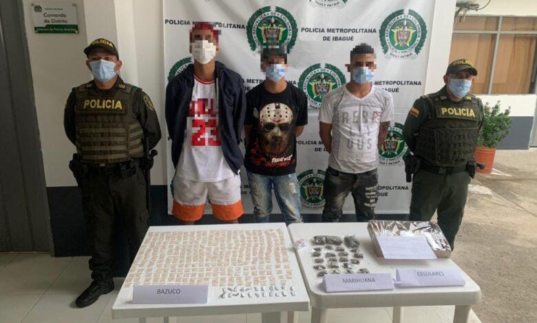 Tres extranjeros capturados con 1.000 dosis de drogas en Alvarado 1