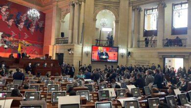 Reforma Tributaria y otros proyectos fueron de nuevo presentados al Congreso. 9