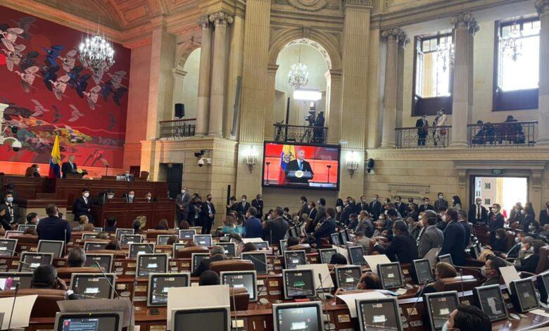 Reforma Tributaria y otros proyectos fueron de nuevo presentados al Congreso. 1