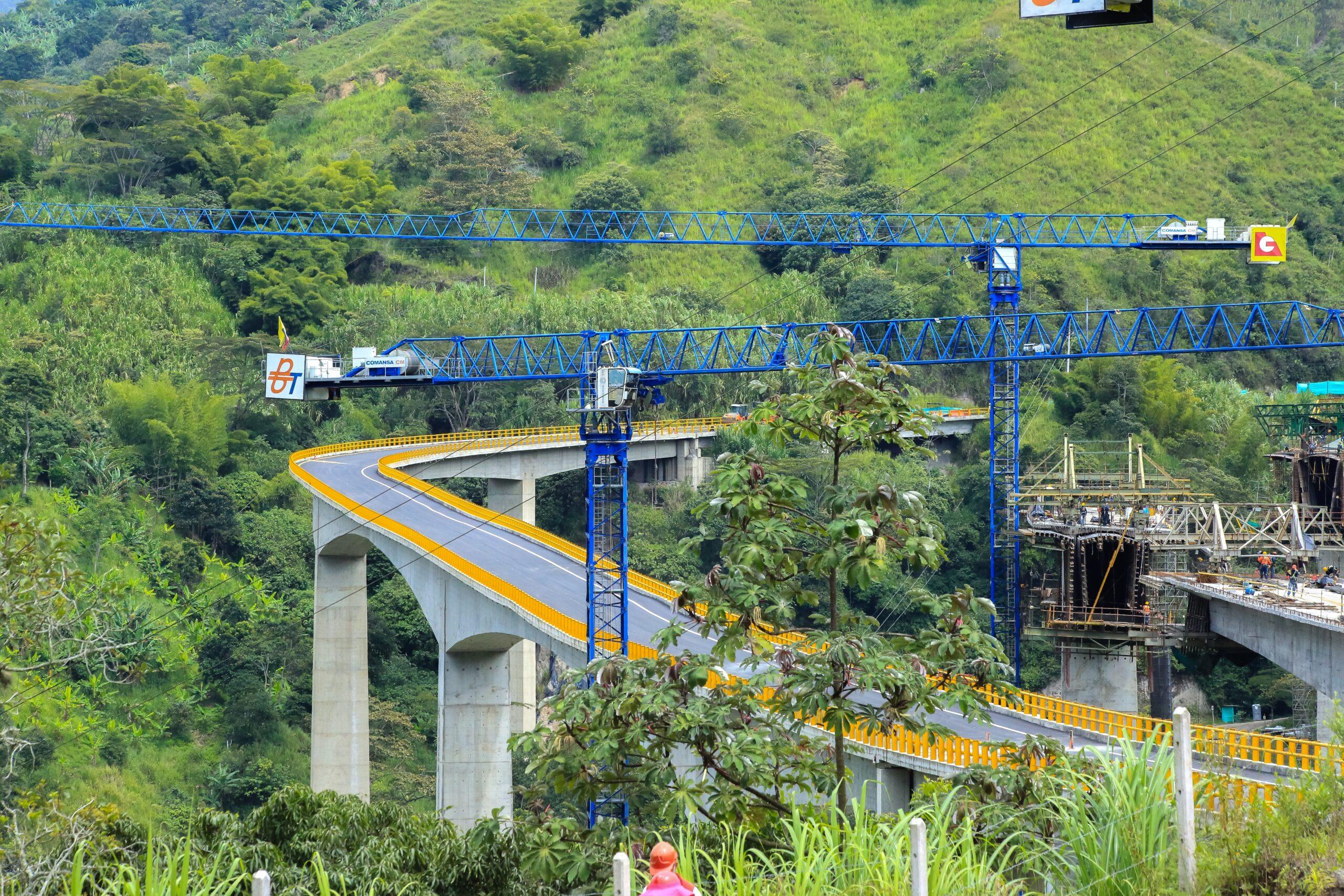 21 Viaductos en 15 kilómetros tiene el primer tramo de la nueva vía Ibagué- Cajamarca 9