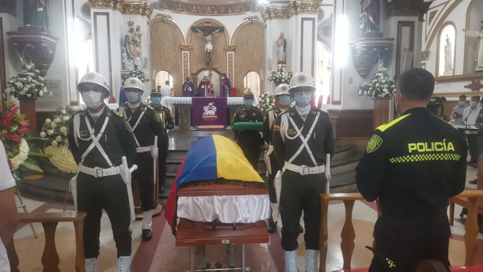 Con homenaje despidieron al patrullero tolimense asesinado en Bogotá 2