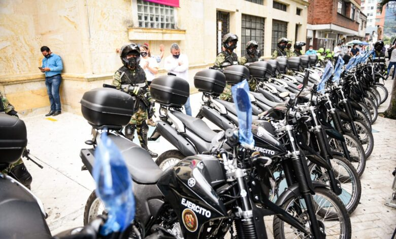 Ibagué entregó 18 motocicletas al Ejército Nacional 1