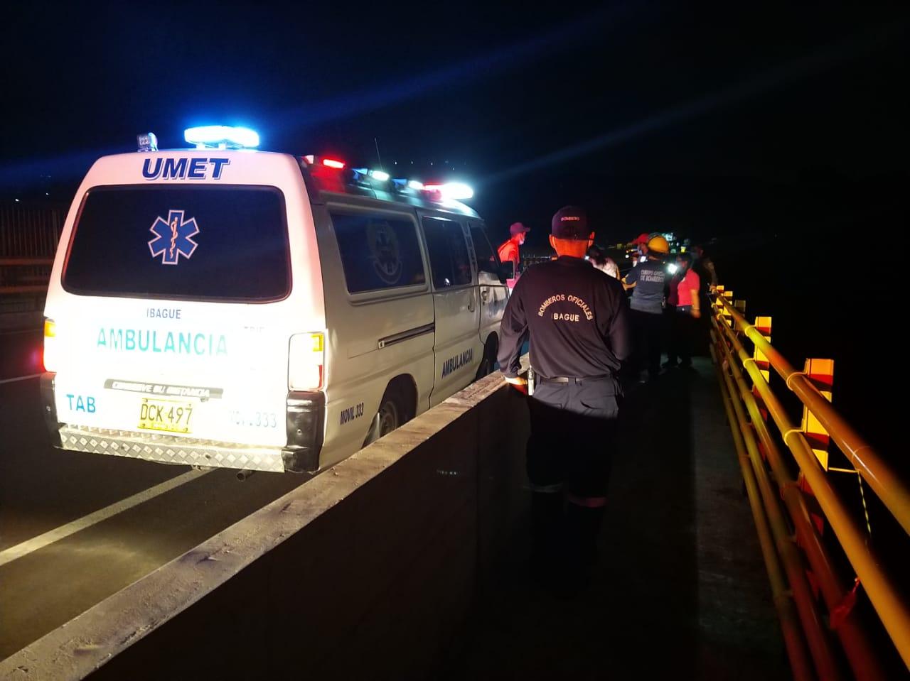 Rápida reacción permitió salvar una nueva vida en el puente de la variante 6