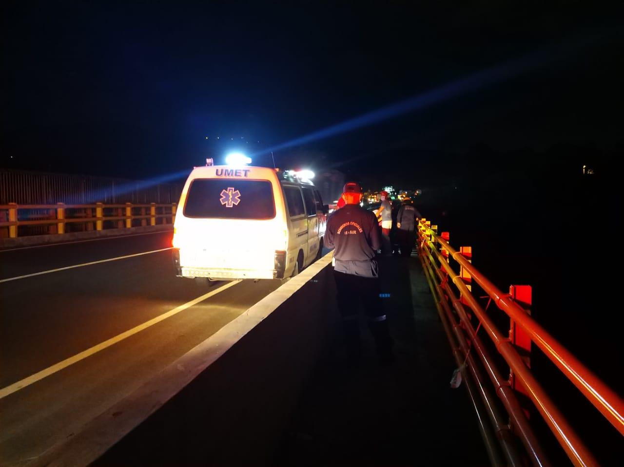 Rápida reacción permitió salvar una nueva vida en el puente de la variante 4