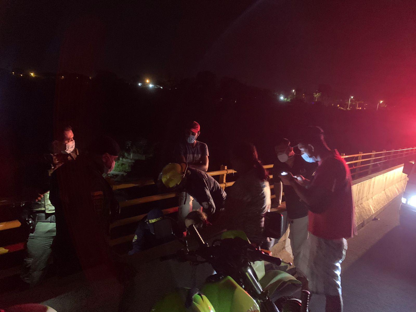 Rápida reacción permitió salvar una nueva vida en el puente de la variante 5