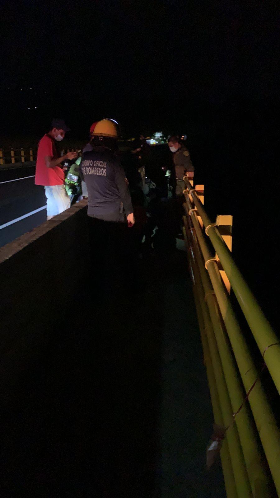 Rápida reacción permitió salvar una nueva vida en el puente de la variante 3