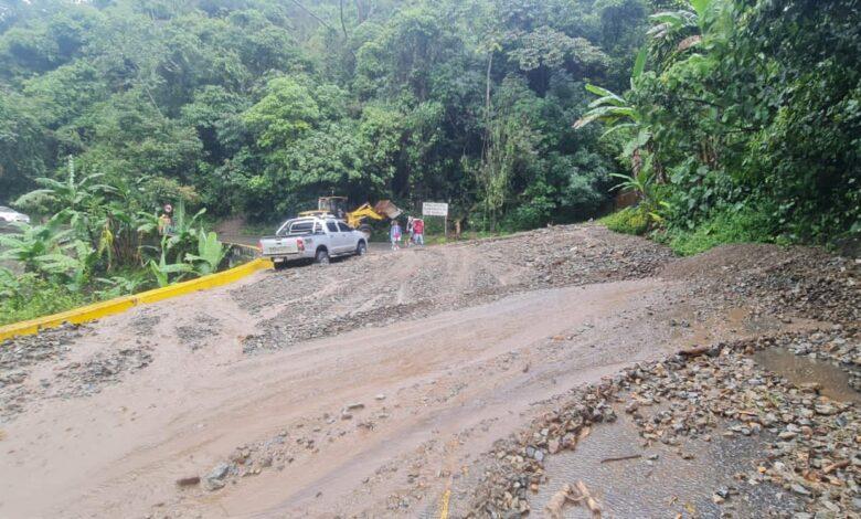 Se habilita la movilidad en la vía Ibagué - Cajamarca tras afectaciones por el invierno 3