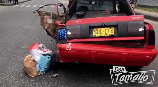 Camión por poco causa tragedia en la avenida Mirolindo 4