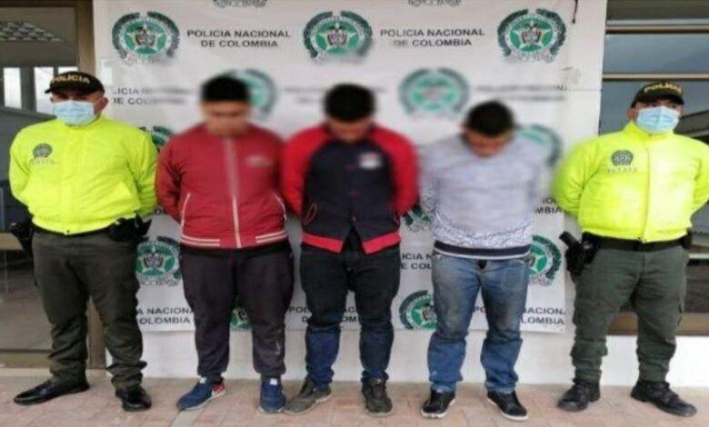Policía en Cundinamarca, ubica taller con partes de vehículos hurtados 1