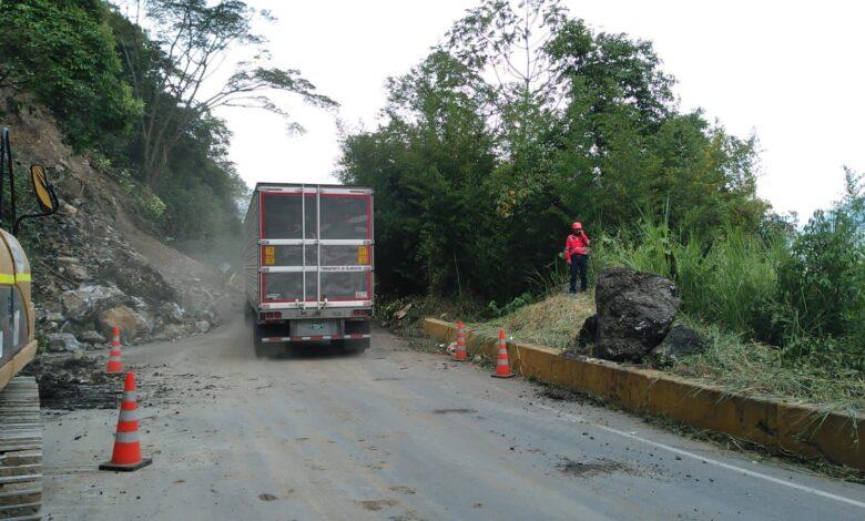 El calvario de los trasportadores tras las 15 horas de cierre de la vía Ibagué - Calarcá 3