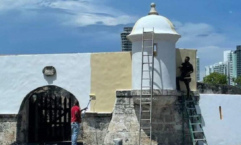 Resanaron y pintaron parte de las Murallas en Cartagena 1