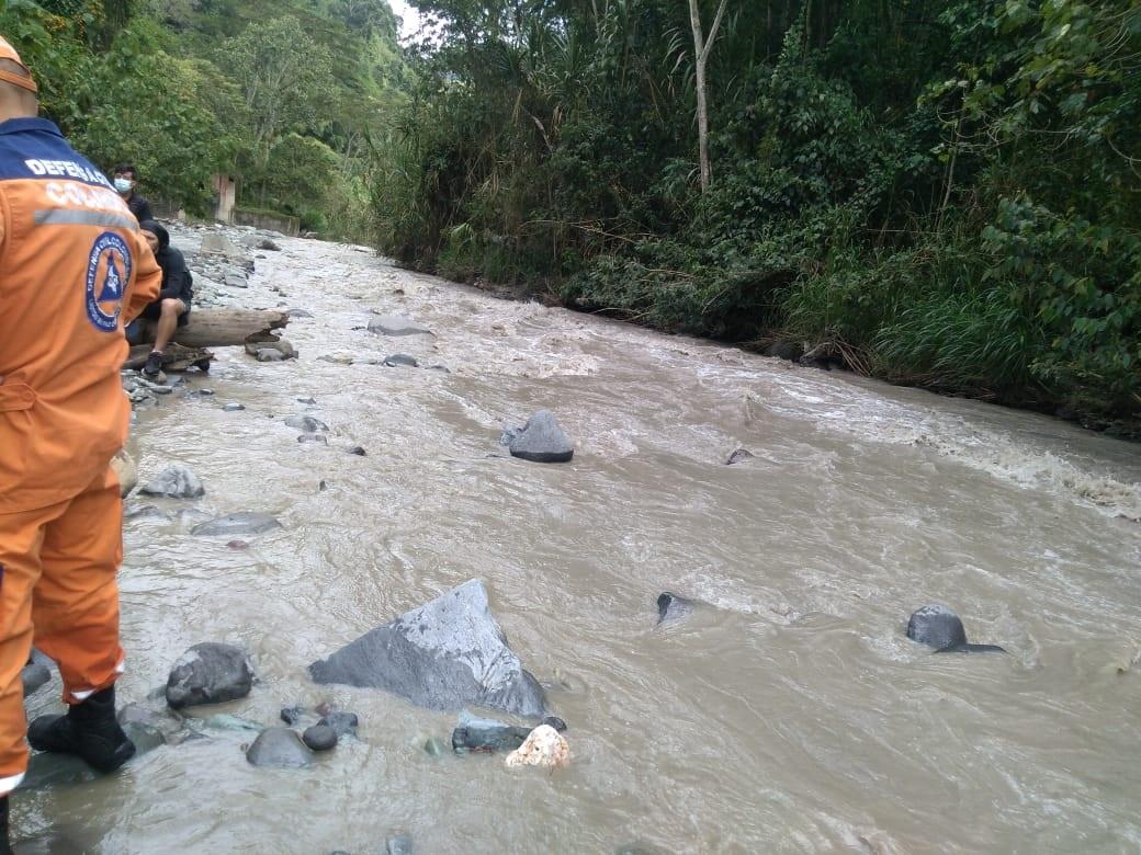 Hallan sin vida al niño que cayó del puente en la vereda Pico de Oro 5