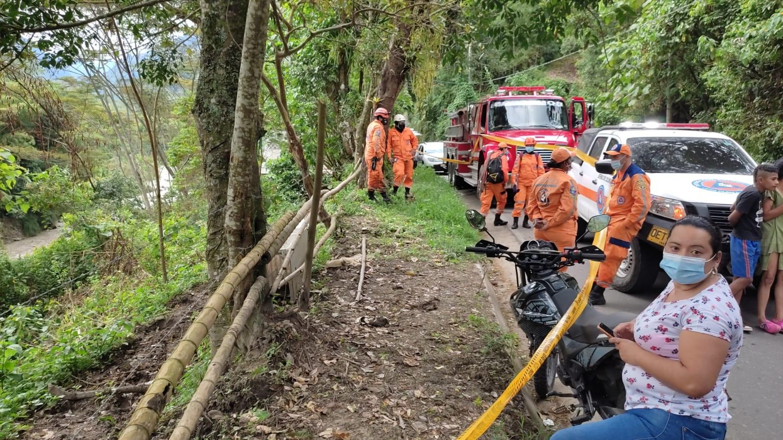 Hallan sin vida al niño que cayó del puente en la vereda Pico de Oro 2