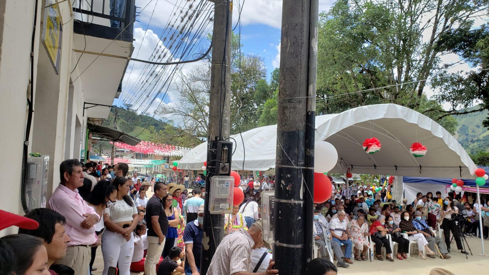 Alcaldesa de Rioblanco habría invitado a candidata a conmemoración de los 90 años de Herrera 5