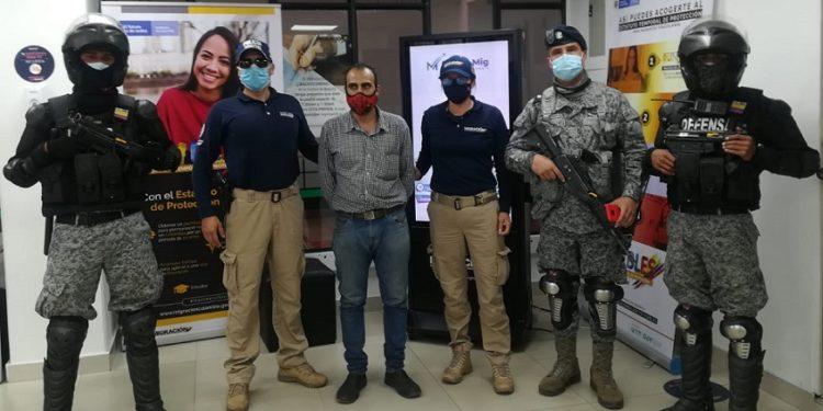 Detienen a extranjero que estaría recopilando información militar en Cundinamarca 1