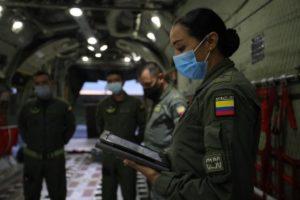 Por primera vez, una mujer vuela al mando del Hércules C-130 7