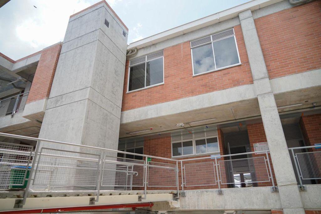 Más de 1.000 estudiantes de la comuna Nueve se beneficiarán con la institución educativa Ciudad Luz 1