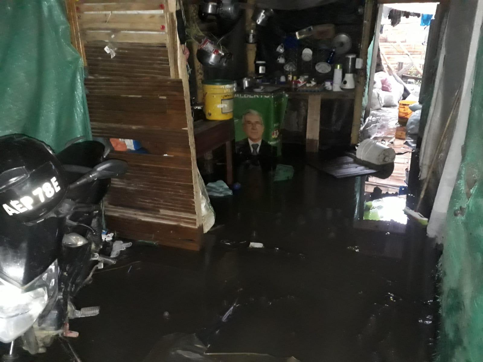 Desbordamiento de un caño originó emergencias en el municipio del Líbano 5