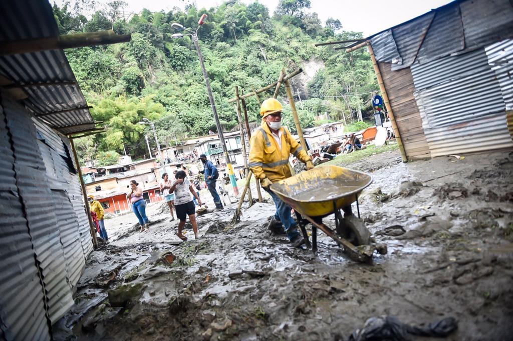 70 viviendas afectadas tras la creciente del río Combeima 6