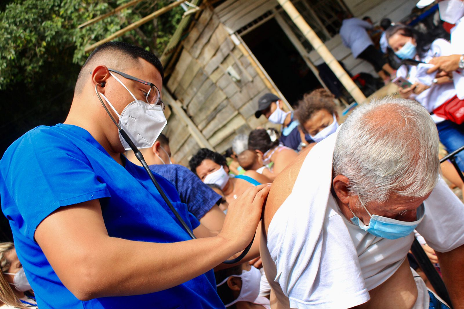 70 viviendas afectadas tras la creciente del río Combeima 7