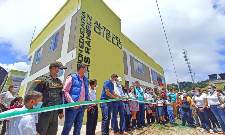 Alto del Cielo en Ortega ya tiene su megacolegio construido 1