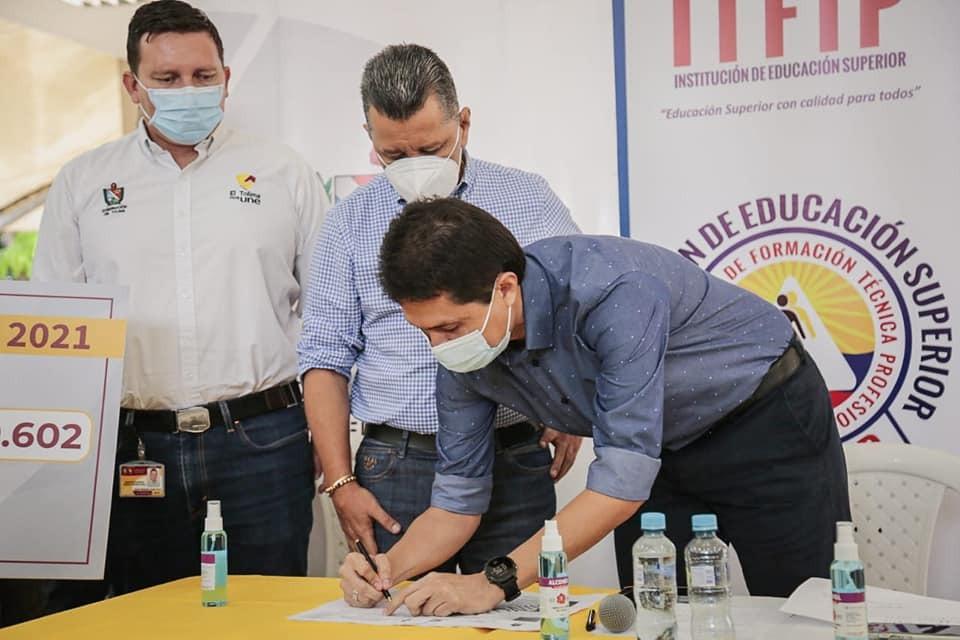 En el Tolima sí opera la gratuidad educativa universitaria. 10