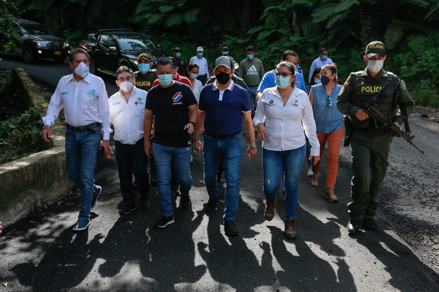 Así se hace seguimiento de la pavimentación del eje vial Carmen de Apicalá -Cunday 2