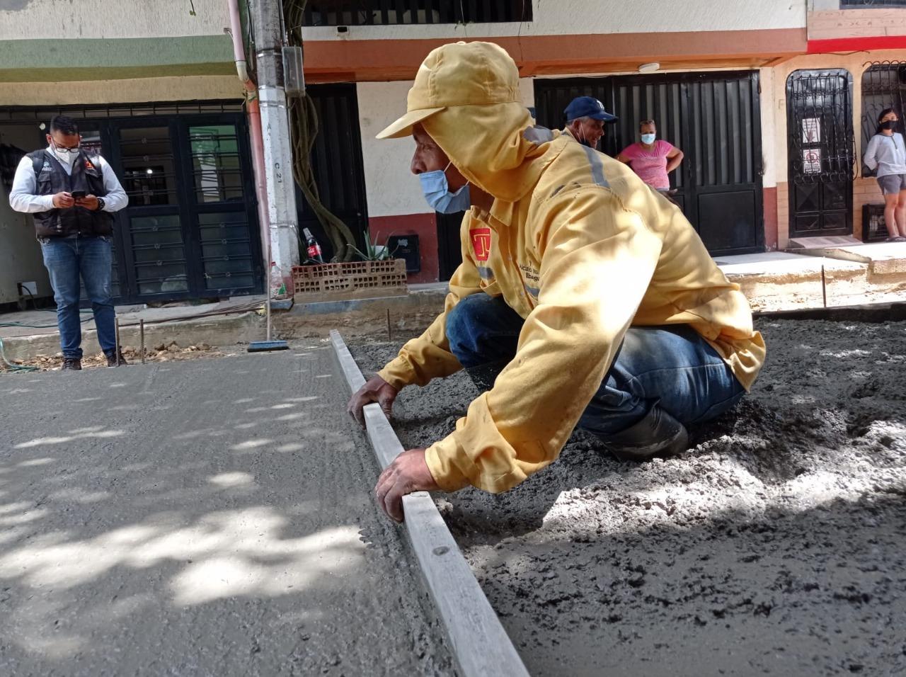 Alcaldía avanza en la recuperación de la malla vial de Ibagué 3