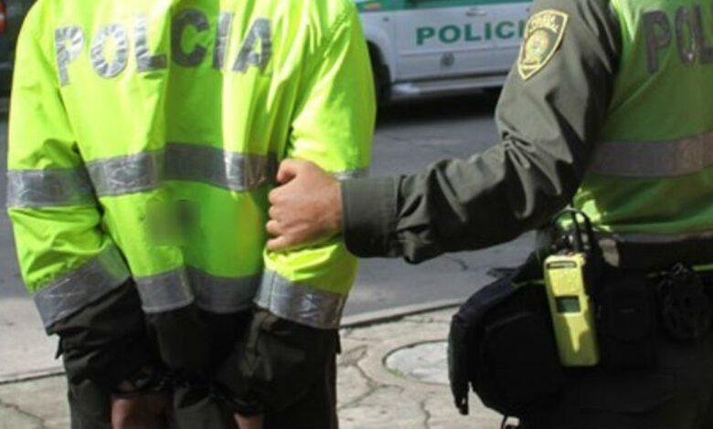 Tres Policías en Ibagué detenidos por exigir dinero a una detenida 1